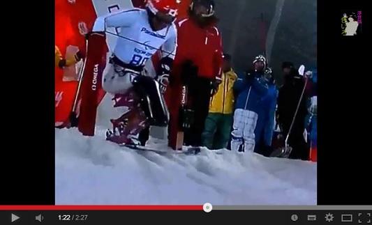 ソチ パラリンピック アルペンスキー男子回転座位で金メダルを獲得した鈴木猛史 動画.jpg